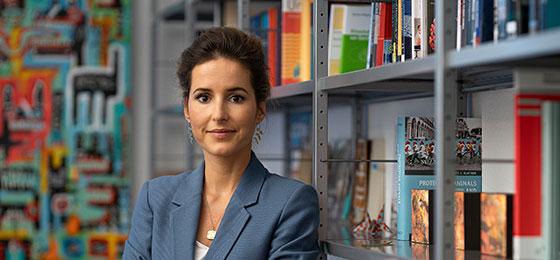 Cette image montre Charlotte Blattner, lauréate du prix Marie Heim-Vögtlin 2020.
