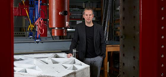 Dieses Bild zeigt Philippe Block, Professor für Technologie in der Architektur der ETH Zürich.
