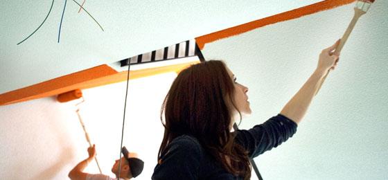Cette image montre une femme peintre. © PNR 60