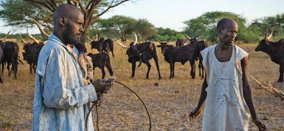 Zwei Menschen einer Nomadengemeinschaft in Tschad. © Christian Heuss