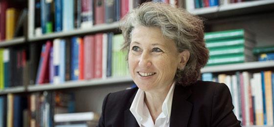 Photo of the outstanding researcher, Regina Kiener, professor of law at Zurich University. ©  Valérie Chételat