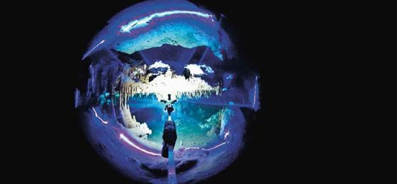 Höhlentaucher vermessen die Grotten unterhalb des Meeresspiegels. © Arnulf Schiller, Austrian Geological Survey